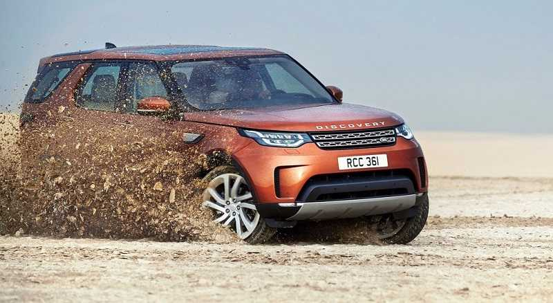 2017 Land Rover Discovery India side view