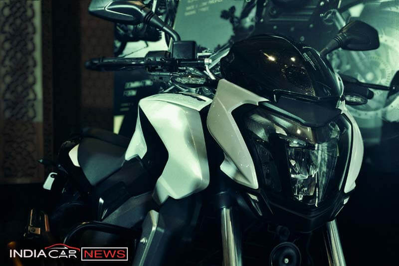 Bajaj Dominar 400 Front headlamps