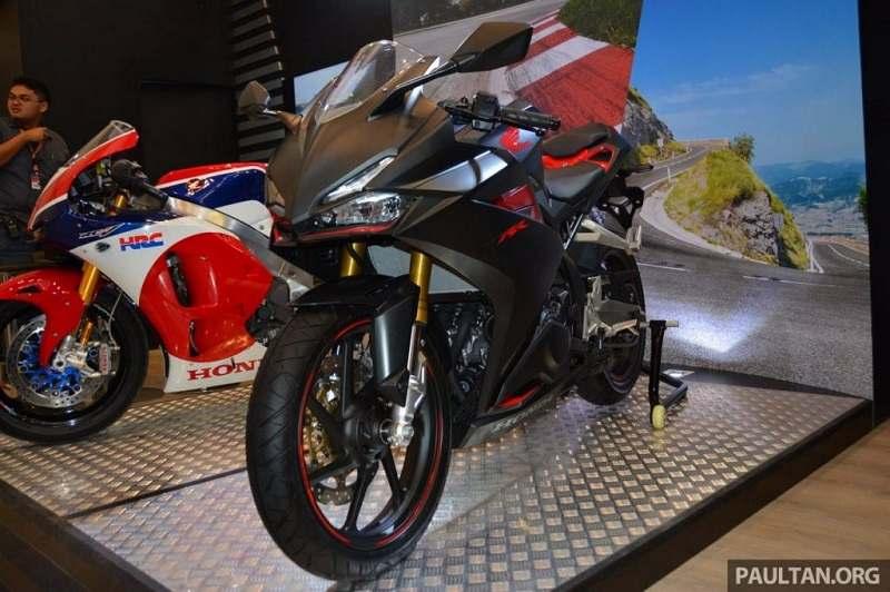Honda CBR250RR front