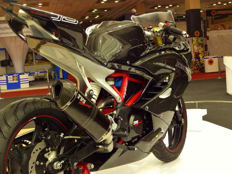 TVS Akula Apache RTR 300 three quarter