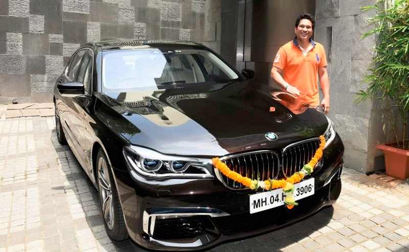 Sachin Tendulkar with BMW 7 Series Sport