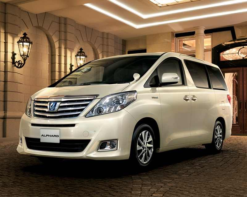 Toyota Alphard Hybrid Mpv Might Come To India