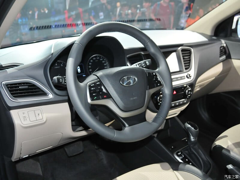 2017 Hyundai Verna hatchback steering wheel