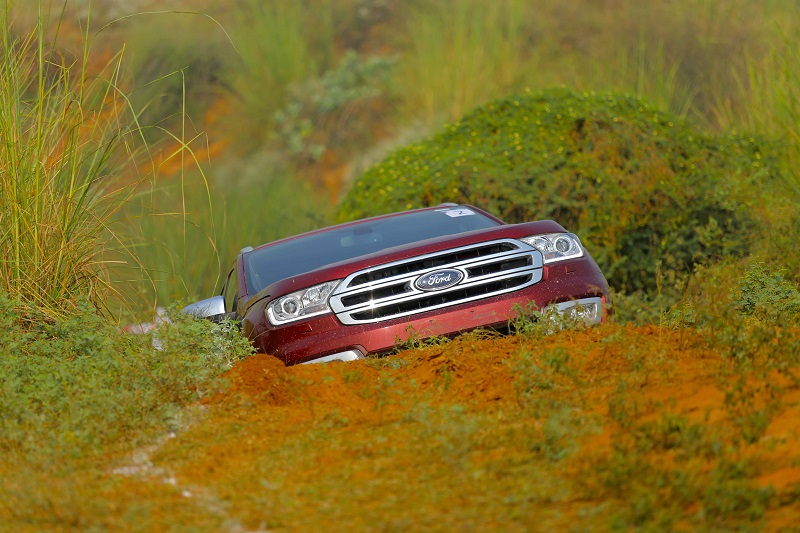 Ford Endeavour off road Review 7