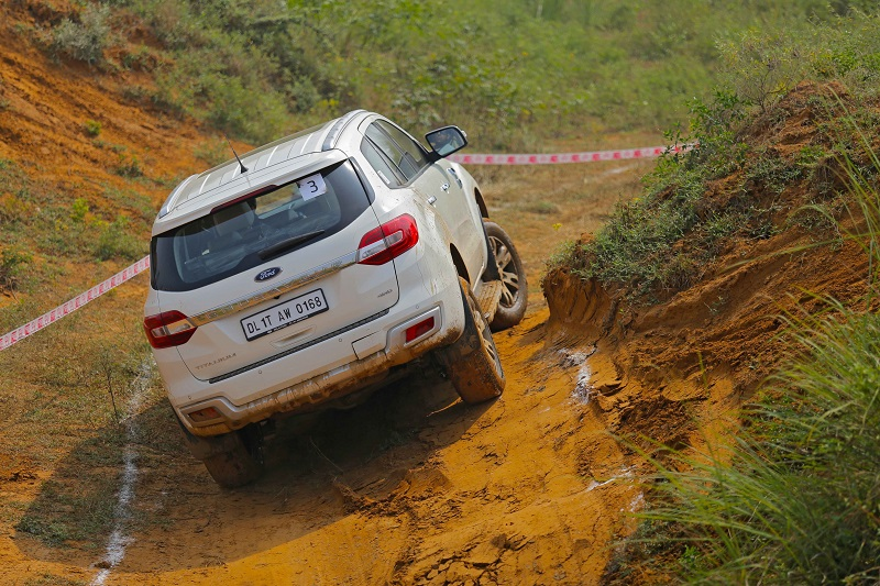 Ford Endeavour off road Review 6