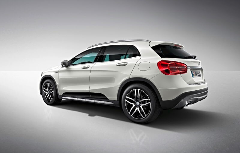 Mercedes GLA 220d 4Matic Activity Edition Rear