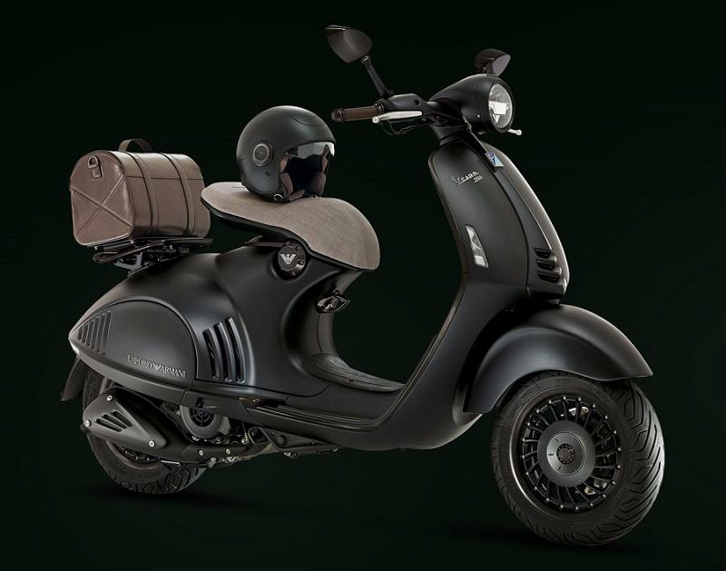 Vespa 946 Emporio Armani Edition in Black