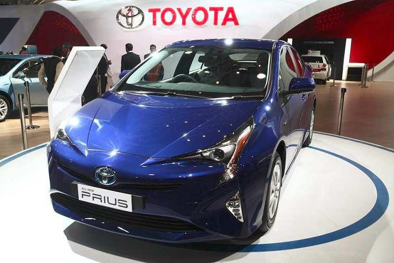 2016 Toyota Prius Hybrid India