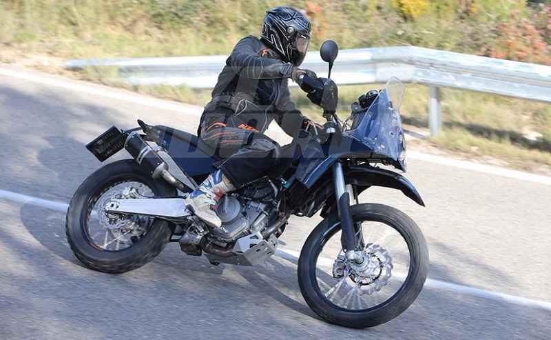 KTM 390 Adventure side profiel