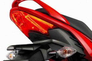 2017 Hero Glamour 125 cc India taillight