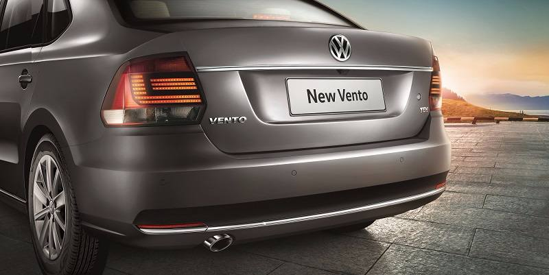 2017 Volkswagen Vnto Highline Plus rear