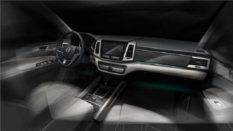 Mahindra Y400 SUV interior