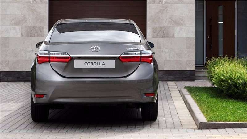 toyota corolla altis 2017 price in india specifications interior changes. Black Bedroom Furniture Sets. Home Design Ideas