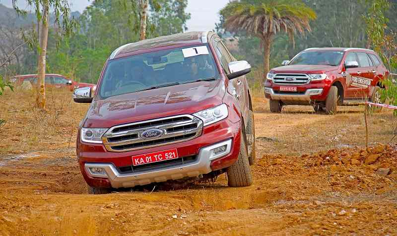 Ford Endeavour in mud