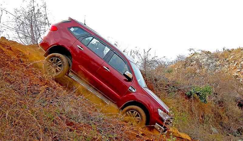 Ford Endeavour on rocks