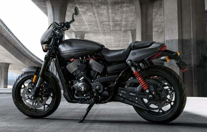 Harley Davidson Street Rod 750 2