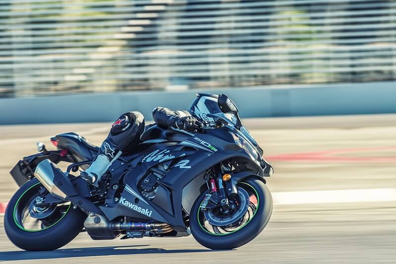 Kawasaki Ninja ZX 10RR Moving Shot