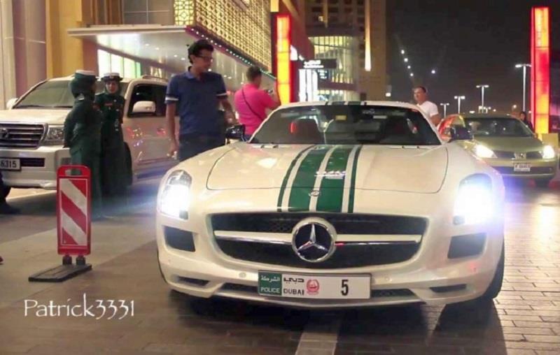 Dubai Police Mercedes Benz SLS AMG