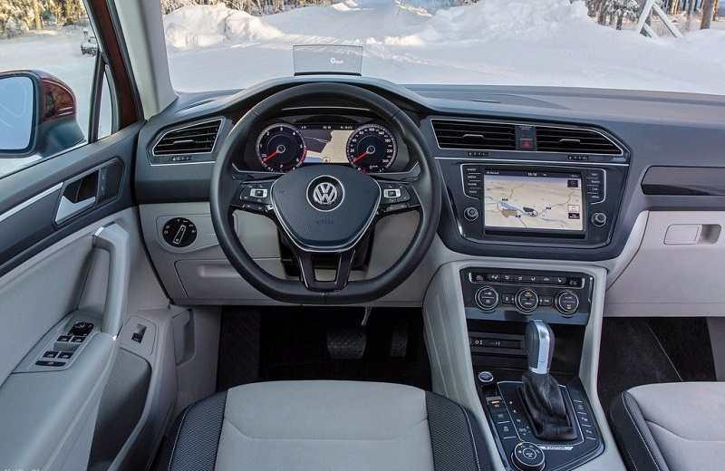 2017 Volkswagen Tiguan interior cabin