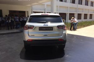 Jeep Compass India debut 4