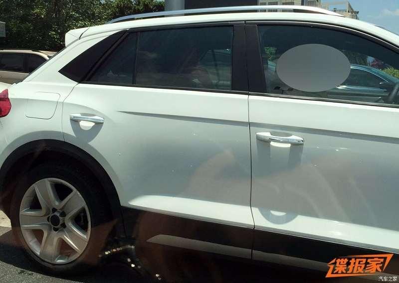 Volkswagen T-ROC SUV spied