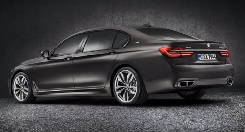 2017 BMW M760Li India rear profile