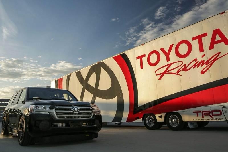 2017 Toyota Land Speed Cruiser
