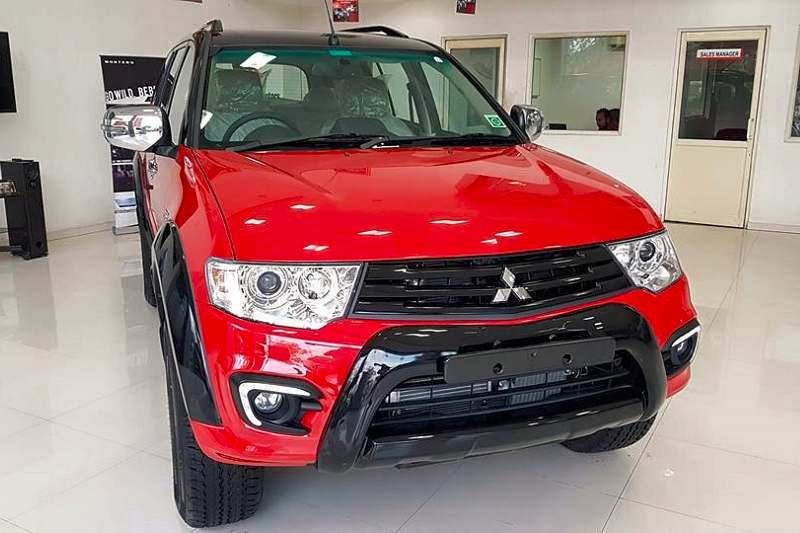 Mitsubishi Pajero Sport Select Plus front grille