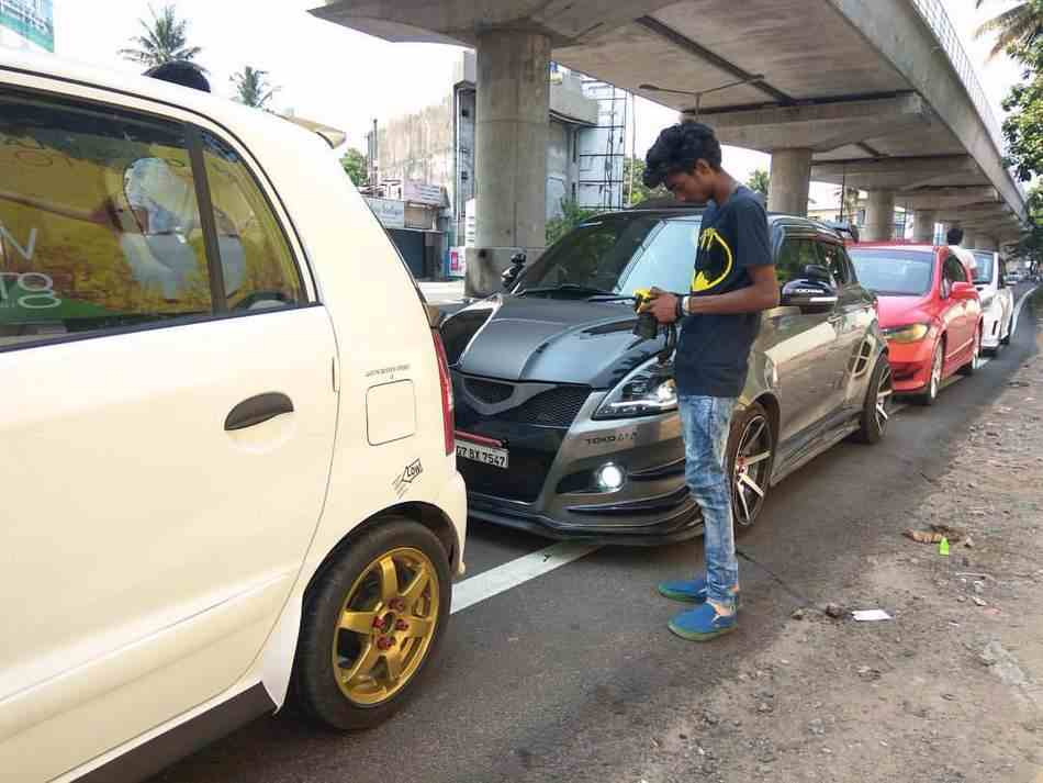 Maruti Swift Punisher in traffic