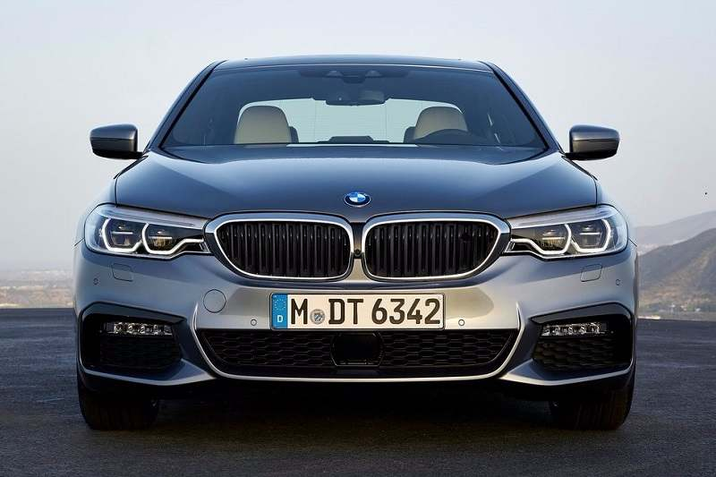 2017 BMW 5 Series India front