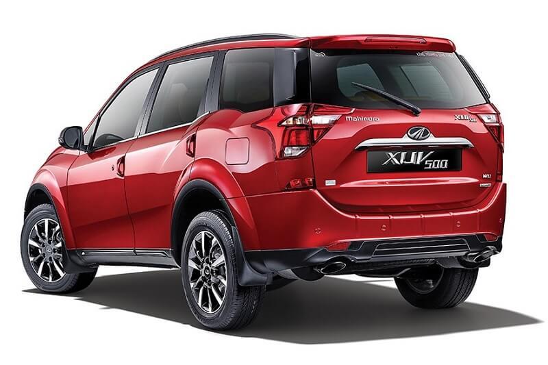 2018 Mahindra XUV500 4