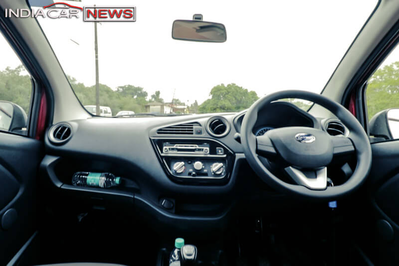 Datsun redigo 1000cc review Interior