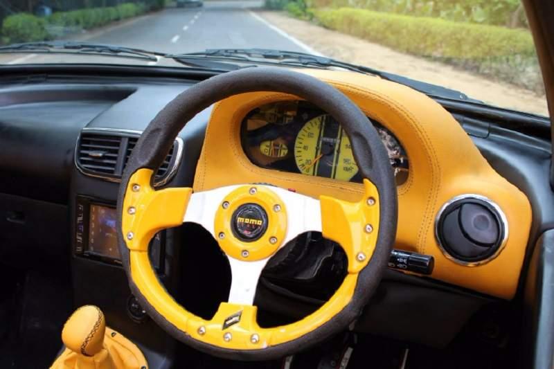 Modified Maruti Suzuki 800 convertible Interior