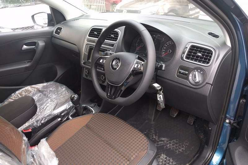 New Volkswagen Polo Highline Plus Variant interior
