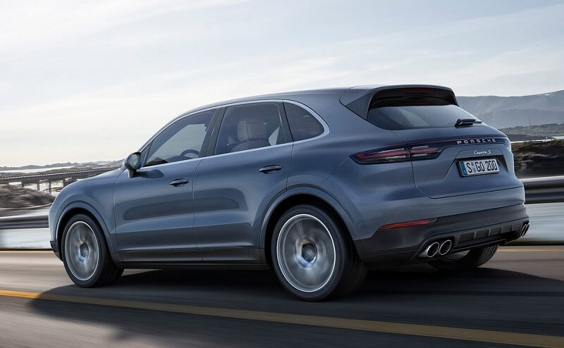 2018 Porsche Cayenne India features