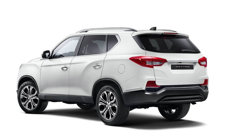 2018 SsangYong Rexton side rear