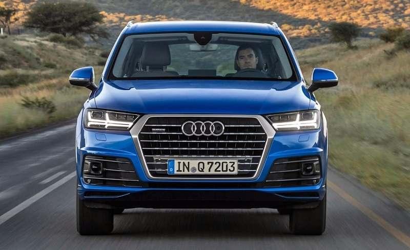 Audi Q7 petrol price in India 5