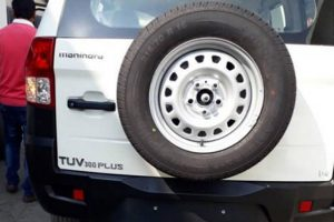 Mahindra TUV300 Plus Spy Image Tailgate