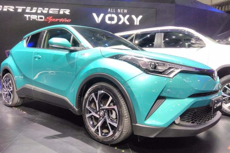 Toyota C-HR Hybrid GIIAS Headlamp