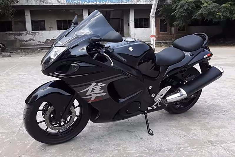 Hero Karizma modified into Suzuki Hayabusa - Pictures & Details