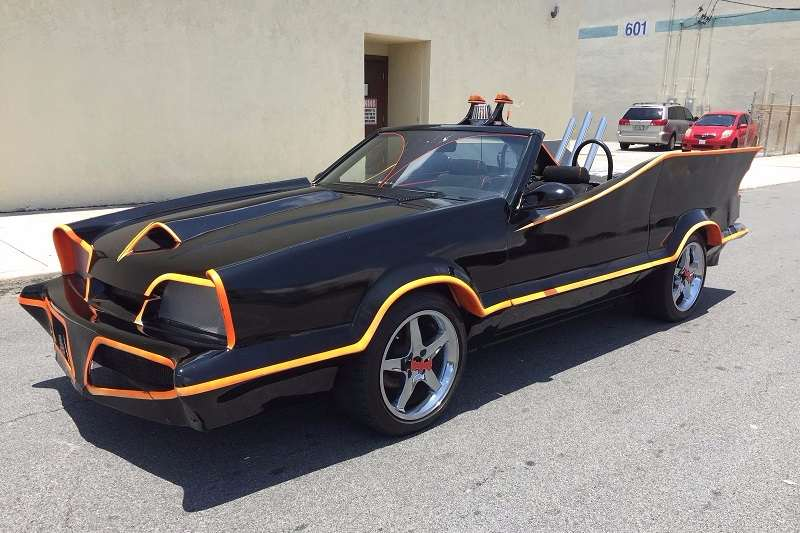 Ford Mustang Batmoil