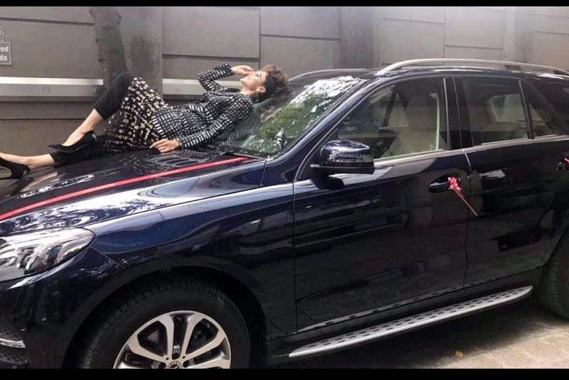 Taapsee Pannu Mercedes GLE