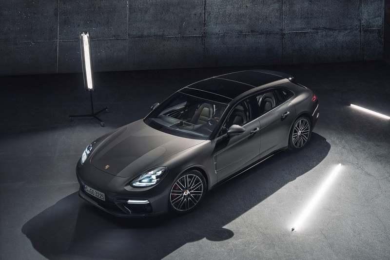 2018 Porsche Panamera Sport Turismo India 3