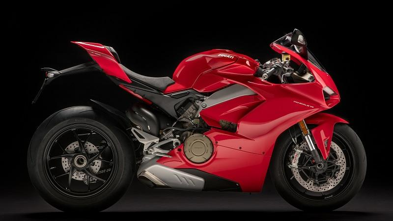 Ducati Panigale V4 India Features