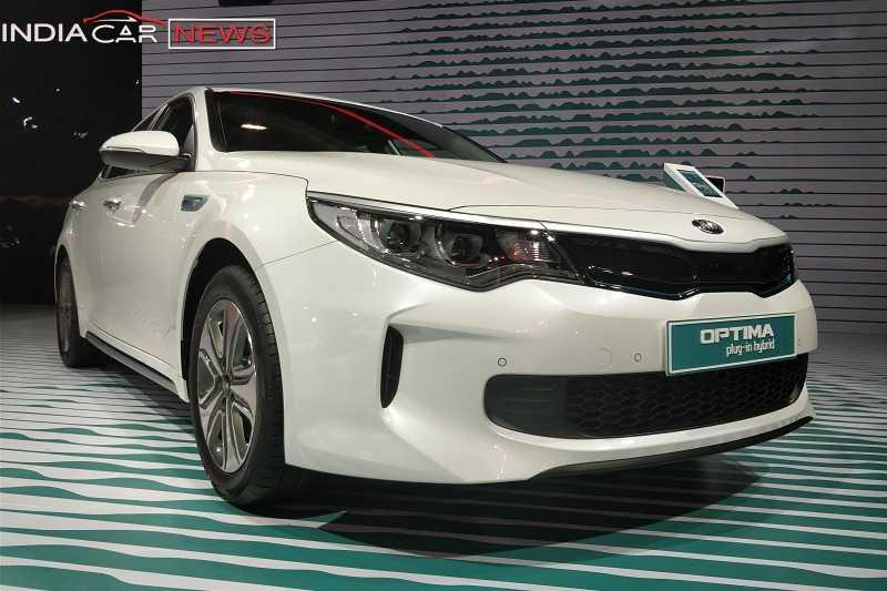 Kia Optima Sedan At Auto Expo 2018 - Pictures, Price & Details