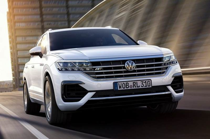 2019 volkswagen touareg suv unveiled pictures specs. Black Bedroom Furniture Sets. Home Design Ideas