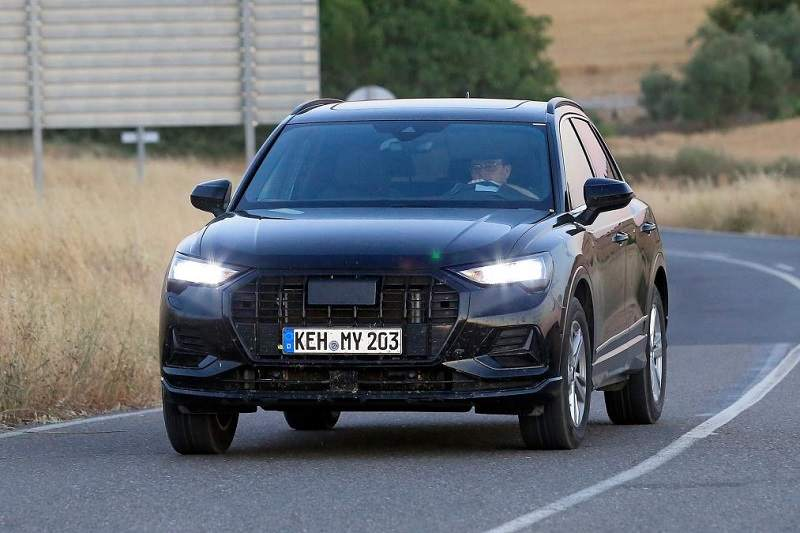 New Audi Q3 Spied Front