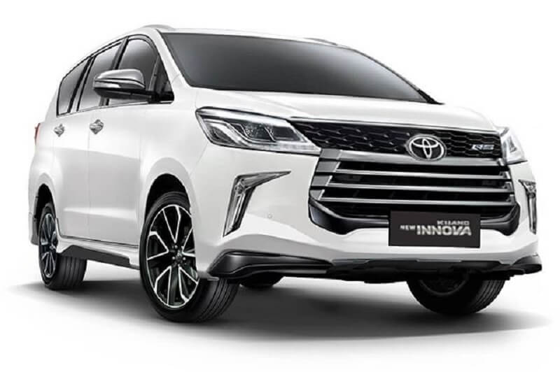 toyota innova crysta facelift rendered  launch likely in 2019