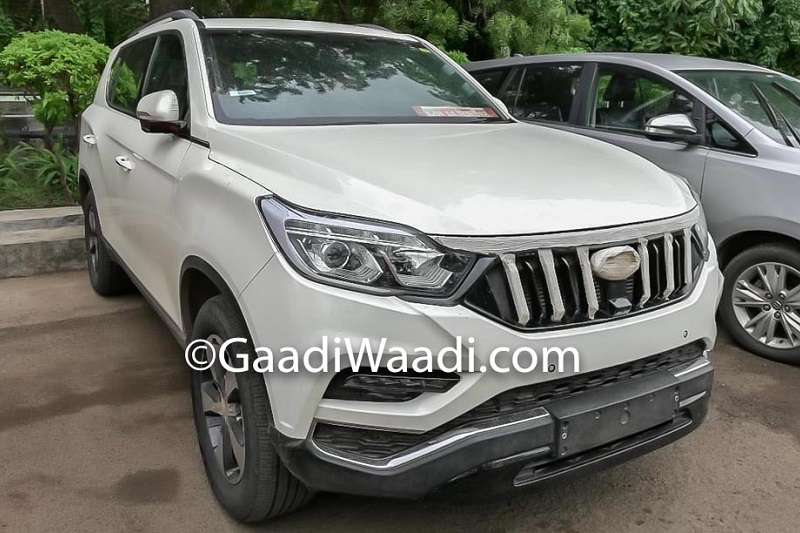 Mahindra XUV700 Front Spied
