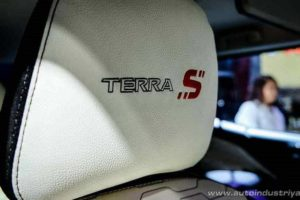 Nissan Terra S Interior